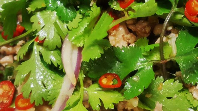 タイ居酒屋 トンタイ - 料理写真:ラープパクチー