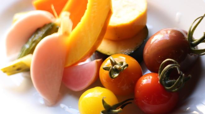 牡蠣屋バル - 料理写真:有機野菜のピクルス