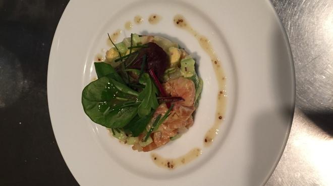 アデッソ - 料理写真:スモークサーモンとホタテ貝柱のタルタル