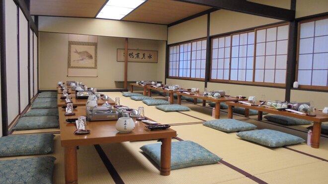 博多水たき元祖 水月 - 料理写真:2階大広間