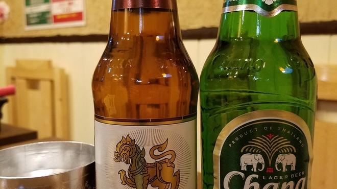 アジアン食堂グリドルズ - ドリンク写真:当店、大人気のシンハービールとチャーンビール