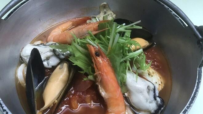 三国一 - 料理写真:海鮮トマト鍋うどん