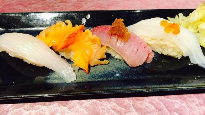 すし処 花ゆい - 料理写真:おまかせ4貫