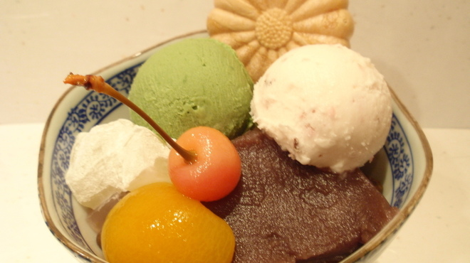 菊丸 - 料理写真:あんみつ春若草¥850