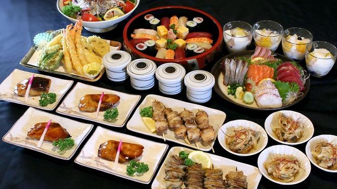 マルハチ商店 - 料理写真:春の3000円コース(鍋なし)