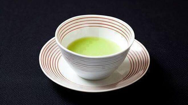 メゾン・ド・ユーロン - 料理写真:空豆の翡翠スープ