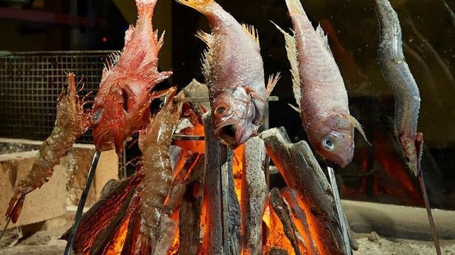 炭火原始焼と蔵元焼酎の店 のどぐろの中俣 - メイン写真: