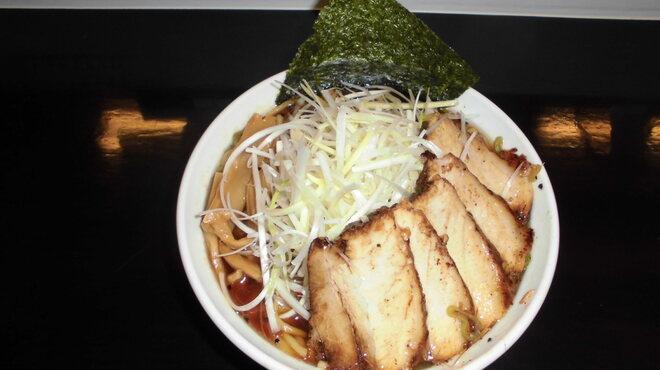 麺処 輝 - 料理写真:ネギチャーシューメン