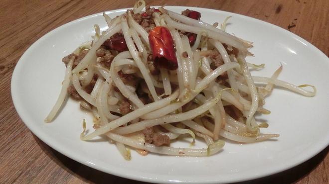 麻SHIBIRE - 料理写真:肉もやし強火唐辛子炒め