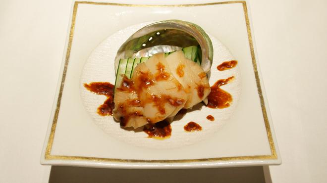 メゾン・ド・ユーロン - 料理写真:鮑の甘辛にんにくソース