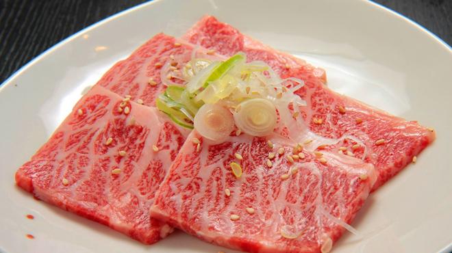 日比谷三源豚 - 料理写真:宮崎牛極上カルビ 1,500円 他に350円~美味しいお肉もたくさん用意いたしました♪
