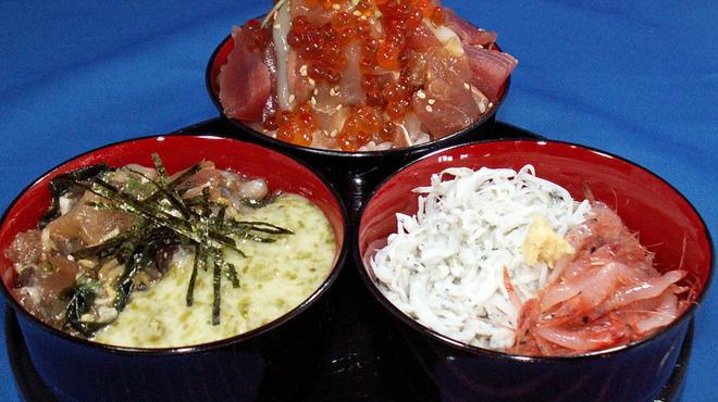 伊豆高原ビール本店レストラン - 料理写真:漁師の3種どんぶり