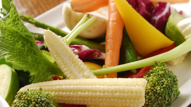 ビストロ フィッシュ - 料理写真:産直有機野菜のスティック アンチョビマヨネーズ