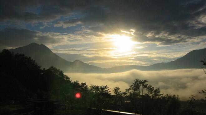 檪の丘 - 外観写真:テラスから見た朝霧です
