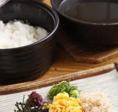 燻製と地ビール 和知 - 料理写真:奄美大島の郷土料理「鶏飯(けいはん)」島のガイドさんが「島外では日本一」と太鼓判!