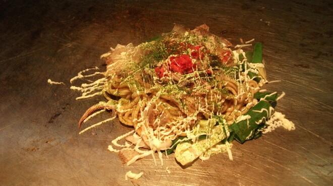 チング - 料理写真:もちもち生めん焼きそば☆いか豚ねぎのせ 1030円
