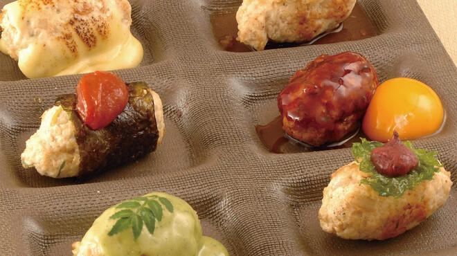 豆助 - 料理写真:【自家製つくね6種盛り】チーズ、おろしポン酢、卵黄、唐辛子味噌、木の芽味噌、しそ梅の6種類 1280円