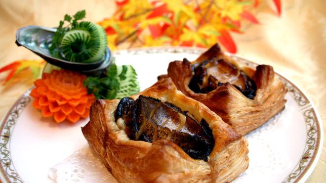 獅門酒楼 - 料理写真:2009美食節賞受賞『活アワビの焼きパイ』