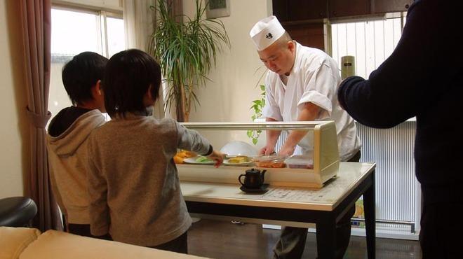寿司勝 - 料理写真:出張握り お宅や会社に伺いその場で握ります。