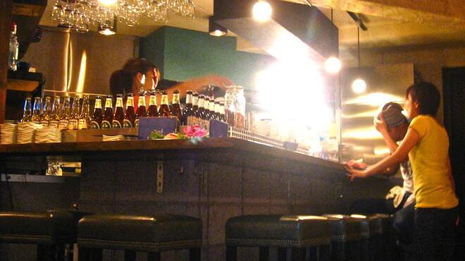 コンロウ - 内観写真:お酒を飲みながら、本格タイ料理を!!
