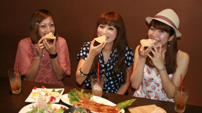 沖縄Diningでーじな豚 - 内観写真: