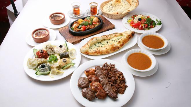 サライ - 料理写真:様々なトルコ料理が楽しめるコースをご用意しております!