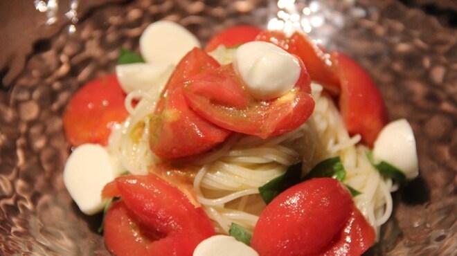 ガーデン - 料理写真:冷製 フルーツトマトとブッフォラモッツァレラ(夏季限定)