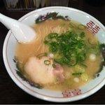 小梅屋 - 美味しい豚骨ラーメン