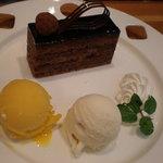 デセナーレ - ケーキ&アイスクリームセット