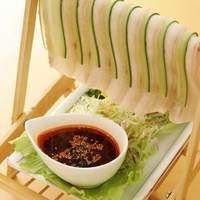 人気メニュー【涼衣白肉】豚バラ肉と胡瓜を特製甘辛タレで!