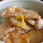 ほおの木 - 小豚丼(塩)