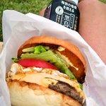 ラッキーバーガー - クラシックエッグチーズバーガー650円
