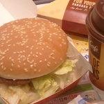 マクドナルド - レタスが溢れるビッグマック