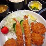 とん久 - ミックスフライ定食 ¥750