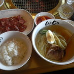 焼肉じゅうじゅう - 料理写真:冷麺ランチ 882円(他ドリンク付)