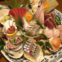 毎朝築地で仕入れた鮮魚がお勧めです。