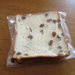10169083 - 一枚売りのレーズン食パン^^