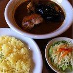 カレー リーブス - チキン野菜 990円