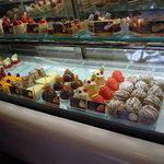 10329457 - 人気のケーキたち