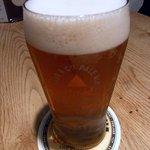 Bird - バス・ペールエールのLサイズ800円です。 芳醇な香りとキレが楽しめるビールですよ。 イギリスの伝統が磨いた旨さに定評があります。
