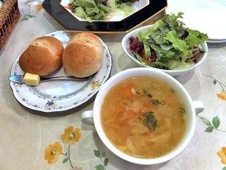 ミラベル - セットの「野菜スープ」&「サラダ」& パン