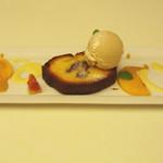 10448724 - 渋皮栗のアーモンドケーキとジェラート。