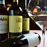 ワインはすべてイタリア産で約2,000種類。