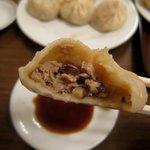 スヰートポーヅ - 天津包子を食べる