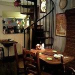 ツルオカ - 一階テーブル席