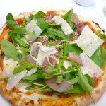 レセプションガーデン - 料理写真:ルコラと生ハムのピッツァ