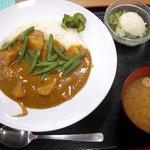 手しごとや 咲くら - 野菜カレー(700円)味噌汁・ポテサラつき