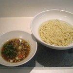 九月堂 - つけ麺 750円