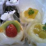 スガマタ - ババロア(フルーツ各種)