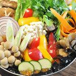 AMUSER - 完全予約制>コラーゲンたっぷりの「彩野菜の美人つくね鍋」【要予約】